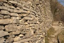 Dry Moltrasio stone quarry walls