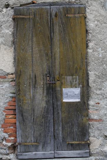 Doorway in Rovenna