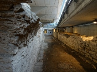baths-service-corridor