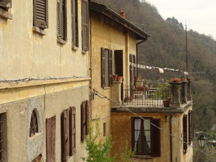 Houses attached to San Donato