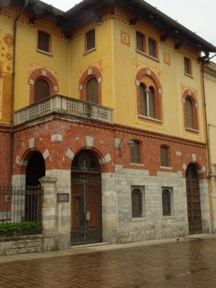 Villa Mantero, Via Volta