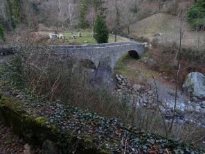 Nesso stone bridge Nose