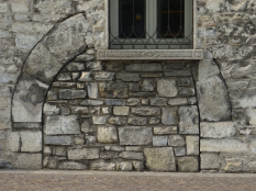 Stone layers and patterns of use