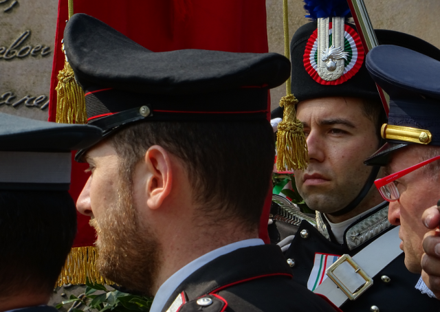 Carabinieri at the Memorial to European Resistance, Como Liberation Day, 2018.png