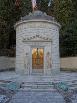 tomb of volta