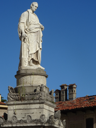 Public statue - Alessandro Volta