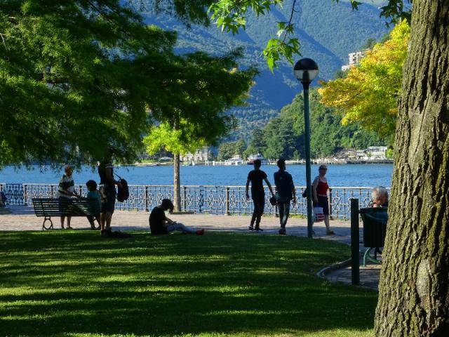 Lakeside passeggiata