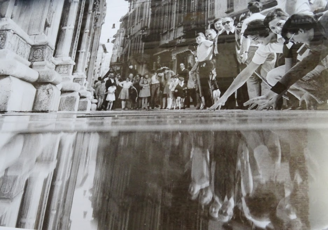 Mirroring the Duomo
