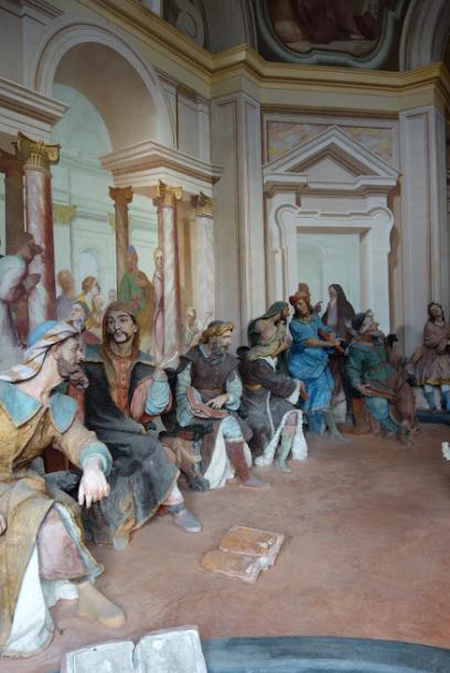 Sacro Monte figures